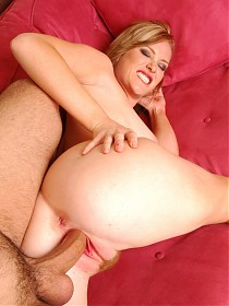 Naomi Cruise joins us for a live cam show and takes a big cock inside her hairy box